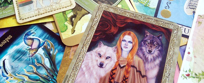 Tarot, cartes, Oracle : quels sont les différents types de jeux et comment bien choisir ?
