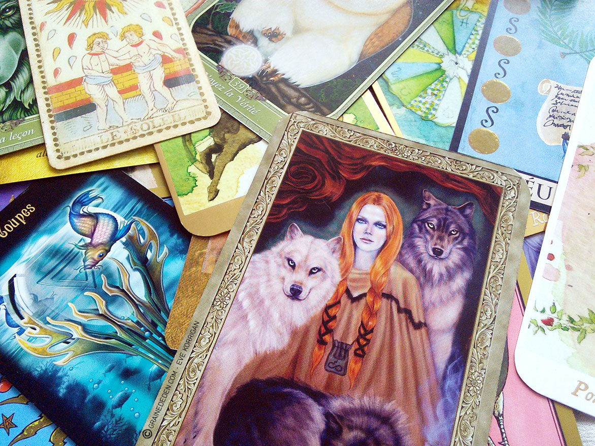 tarot cartes oracle quels sont les diff rents types de jeux et comment bien choisir graine. Black Bedroom Furniture Sets. Home Design Ideas
