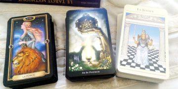 Cours de tarot gratuit - 3 coffrest de tarots divinatoires pour apprendre  facilement Graine d  570781e94234