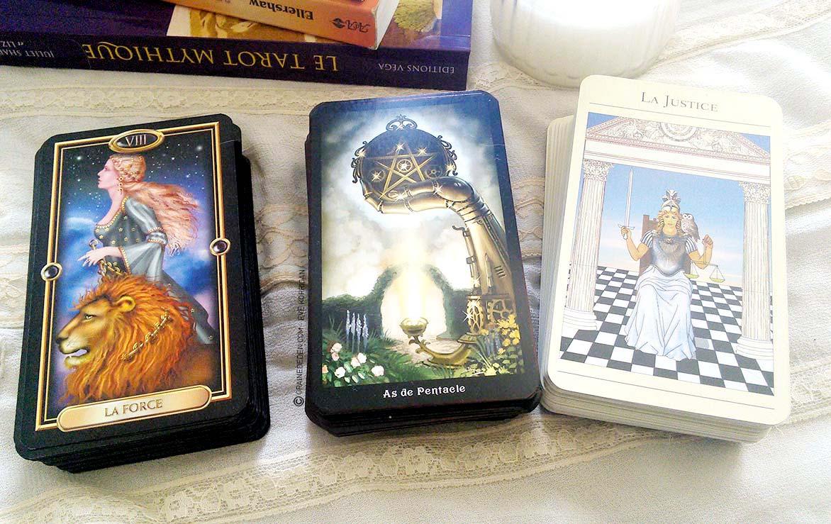 d3c959af9f770 Cours de tarot gratuit - 3 coffrest de tarots divinatoires pour apprendre  facilement Graine d Eden - Eve Korrigan