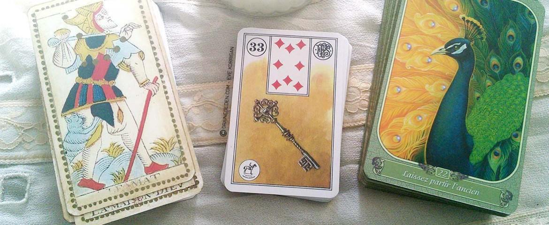 Quelle différence entre un Tarot et un Oracle ?