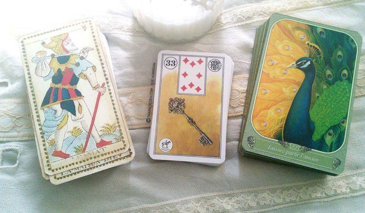 Tarots et Oracles divinatoires, la différence - Quelle différence entre tarots et Oracles ? Graine d'Eden Tarot et oracles divinatoires, reviews, cours....