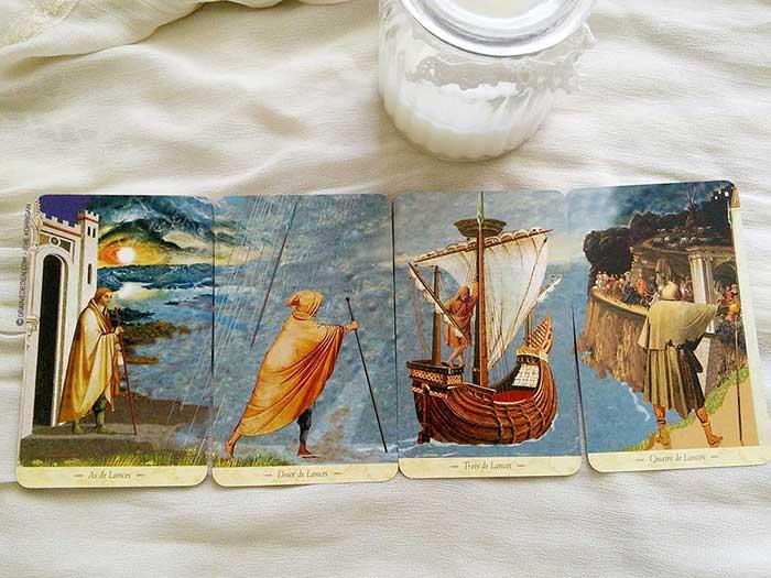 Le Tarot du Graal de John Matthews et Giovanni Caselli - Graine d'Eden la bibliothèque des Tarots, revue, review, présentation de Tarot et Oracle Divinatoires