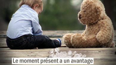 Le moment présent a un avantage sur tous les autres : il nous appartient. CHARLES CALEB COLTON - Graine d'Eden citation