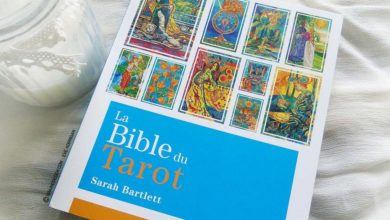 Review La Bible du Tarot de Sarah Bartlett - Graine d'Eden Développement personnel, spiritualité, guidance, livres, oracles et tarots divinatoires - La bibliothèque des Tarots