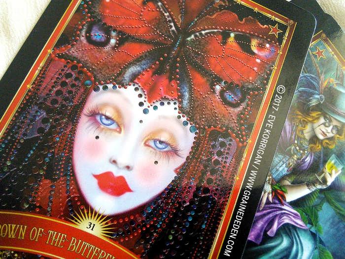 Divine Circus Oracle Cards de Alana Fairchild - Graine d'Eden Développement personnel, spiritualité, tarots et oracles divinatoires, Bibliothèques des Oracles, avis, présentation, review , revue